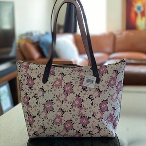 COACH TAYLOR DAISY CAN PEBBLE LEATHER ZIP TOP TOTE